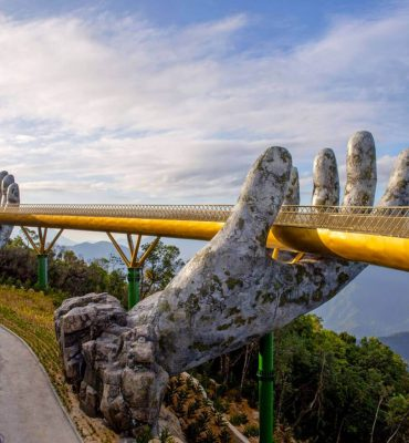 Golden-Bridge-Vietnam