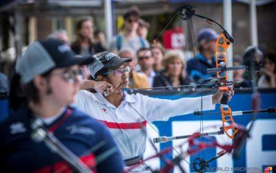 World para archery champion scores bull's eye